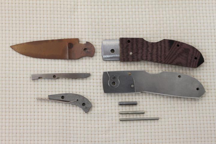 kit_folding_handscalpel_maroon